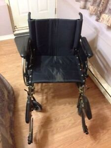 Chaise roulante spécial / Special Wheelchair