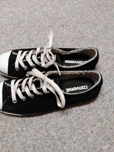 Womens Footwear DC VANS Converse KStudio Merrill NIKE Like New London Ontario image 9