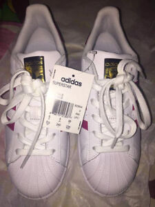 Adidas Superstar New Size 5.5 Women (equivalent to size 7)