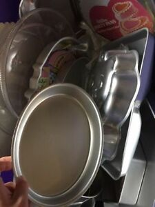 Baking Pans - Tier Cake Supplies - Wonderful Condition Regina Regina Area image 4