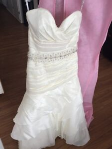 Size 6 Mermaid style wedding gown