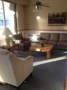 Spacious 1 Bedroom Apartment - Close to Downtown and University