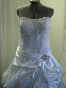 BRIDAL/SPECIAL OCCASION DRESSES ALTERED By KIM, 403-969-4422