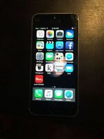 iphone 5s 16gb space gray 250$ locked to virgin mobile.