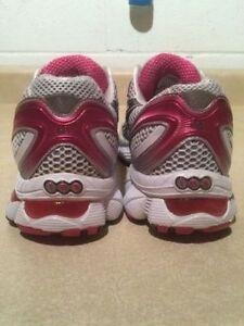Women's Asics Gel-Nimbus 12 IGS Running Shoes Size 8 London Ontario image 7