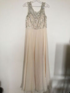 ****BEAUTIFUL J'ADORE DRESS WORN ONLY ONCE****