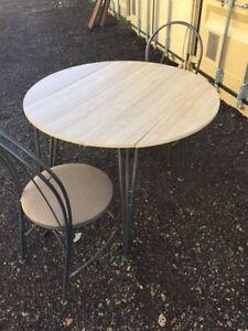 Dining/ Kitchen dining table and 2 chairs set London Ontario image 5