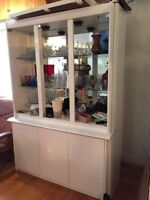 High end white Italian lacquer dining room suite