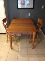 MAPLE DINING TABLE - MADE IN CANADA - $500 OR BEST OFFER