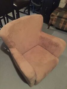 Arm chair / single seat sofa / fauteuil 1 place $50 (negotiable)