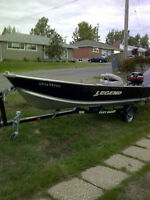 LEGEND 16' WIDE-BODY PRO-SPORT BOAT PACKAGE