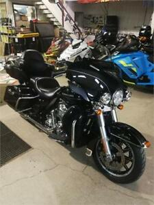 2014 Harley Davidson Ultra Limited 103 Low miles !