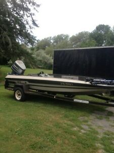 17'9 foot winner bass boat in good shape.150 Yahama 2 stroke.