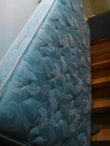 TWIN BED SET --EMBASSY BRAND--Beautiful shape --DELIVERY IN HRM