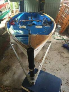 125 dinghy sail boat in great condition for racing or family fun