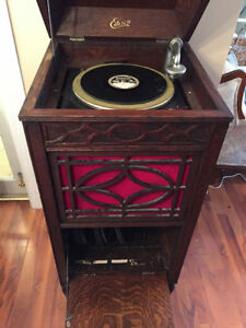 Edison Diamond Disc phonograph in working condition