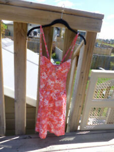 Priced REDUCED: Guess Summer Spring Floral Pink Dress