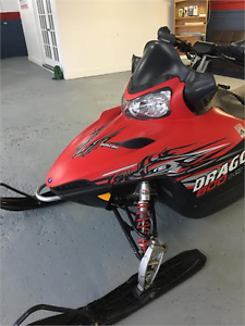 POLARIS DRAGON IQ 800CC 2010 TRES PROPRE