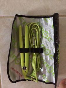 BRAND NEW GREEN BABY CROC MINI STRAIGHTENING IRON London Ontario image 2