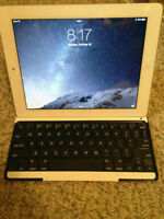 32GB iPad 2 with Logitech Ultraslim Keyboard