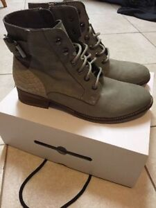 ALDO Women's Spring/Fall Boots - Size 10