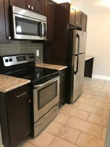 Lakeshore 2 bedroom apartment available!!!