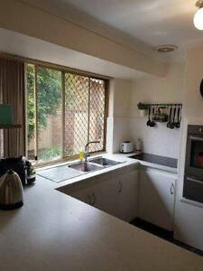 PARKWOOD $360.00 P/W Large 3 Bedroom duplex, with modern kitchen, Parkwood Canning Area Preview