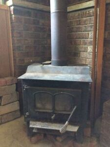 Paris - Wood Burning Stove & Pipes
