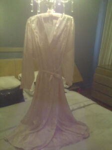 ENSEMBLE DE CHAMBRE 2 MCX ITALIAN PEIGNOIR ROBE & NIGHTGOWN SET