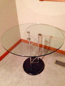 Italian design glass and marble dining table (New condition) Cambridge Kitchener Area image 1