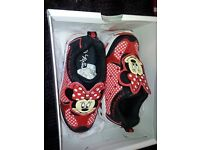 childrens size 9 minnie mouse trainers