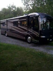 Fleetwood Revolution 40' Diesel Pusher Class A Motorhome