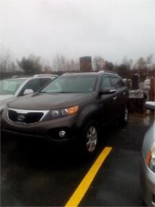 "2013 Kia Sorento LX LOADED A MUST SEE  CLICK ON ""SHOW MORE"""