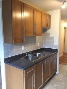 1 BEDROOM*AUGUST RENT FREE*NEAR UNIVERSITY,WHYTE AVE&TRANSIT