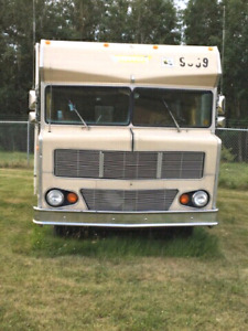 1972 Winnebago Chieftain D-24CL
