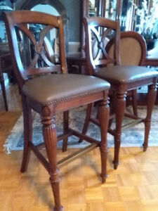 2 Bar Stools ~ Chairs 100% Leather w Memory Foam