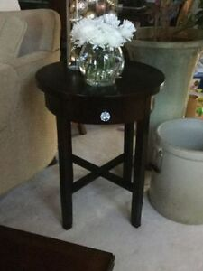 High End Hudson End Tables from Cottswood EUC