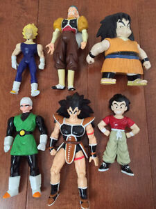 30 DRAGON BALL Z ACTION FIGURES