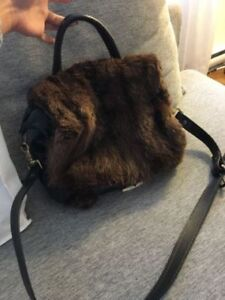 Sac à main en fourrure HARRICANA/Fur bag