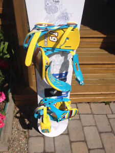 Snowboard Firefly with Technine Bindings and Salomon Boots