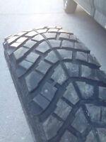 5 pneus d'été (31 pouces)