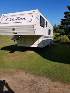 5th wheel travel trailer 26.5 ft  Going in Storage on Sat 22nd