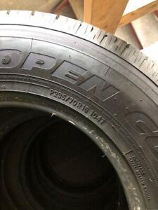 4 pneus d'été TOYO H/T Open Country 235-70-R16