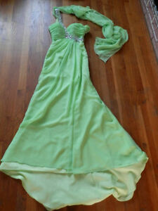 4 long dresses / gowns (prom, wedding, formal..)