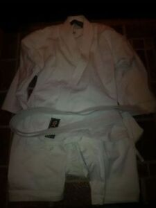 Karate Suit Size 0 (5/6 kids) - have 2 suits