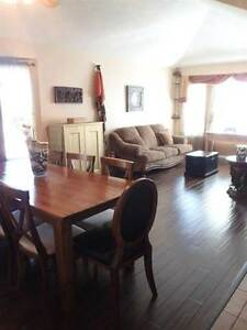 Available Dec 15th ! New carpets and freshly painted Strathcona County Edmonton Area image 1