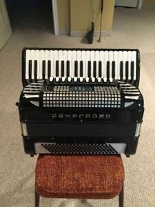 Excelsior 1320E Accordion + Yorkvillle Amp and A Roland RA-95