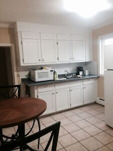 Nice room in downtown home - offwater street