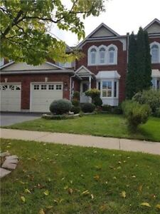 Very Specious Town House Home In A Great Part Of Ajax.