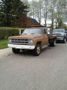 1 Ton GMC 4x4 dually, 4speed manual